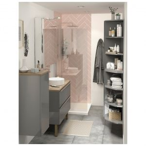 IMANDRA- funkcjonalne i komfortowe meble łazienkowe o modułowym charakterze, które sprawdzą się w każdym pomieszczeniu. Są przestronne, trwałe i przystępne cenowo. Dostępne w ofercie marki GoodHome. Fot. Castorama