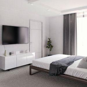"""Duże okno w sypialni świetnie """"doświetla"""" wnętrze światłem naturalnym. Fot. Domy w Stylu"""