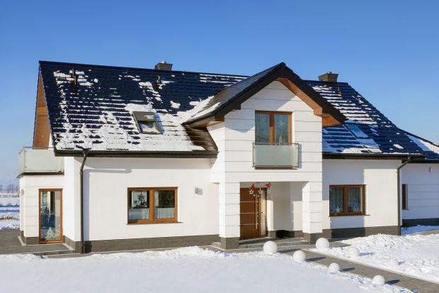 Wybór pokryć dachowych o płaskim profilu jest na rynku spory.Cieszą się popularnością głównie dlatego, że świetnie wpisują się w trend nowoczesnego budownictwa.