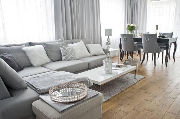 Jasny, przestronny, przytulny i elegancki – o takim domu marzyli Inwestorzy i takie zadanie postawili przed projektantką Magdaleną Miśkiewicz.