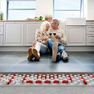 Ogrzewanie podłogowe w kuchni. Fot. Knauf Therm