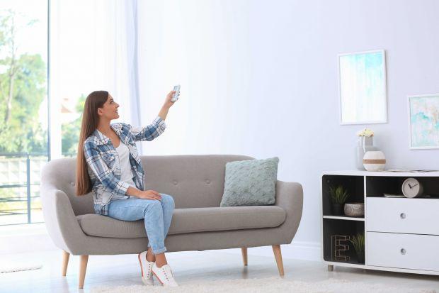 Podstawowa rola wentylacji to wyprowadzanie zużytego powietrza i doprowadzenie do pomieszczeń świeżego. Żeby cieszyć się czystym i zdrowym mikroklimatem, należy wyposażyć system wentylacyjny w filtry, które poradzą sobie z wychwytywaniem nawet