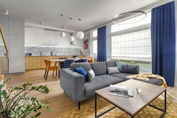 Aneks kuchenny to popularne rozwiązanie, zwłaszcza w nowych mieszkaniach. Jak urządzić modnie i funkcjonalnie taką przestrzeń? Zobaczcie jak to robią architekci.