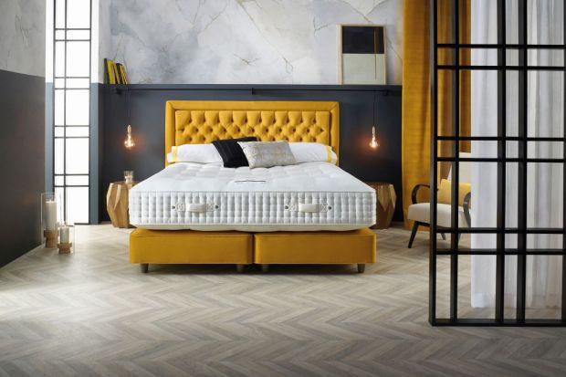 Wygodne łóżko, nastrojowe oświetlenie, starannie dobrana kolorystyka pozwalają śnić kolorowe sny. A kolory w sypialni mają kluczowe znaczenie: nie tylko tworzą nastrój pomieszczenia, ale także zdradzają naszą osobowość