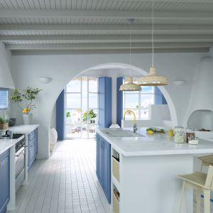 Bateria kuchenna Zumba. Jej cechą charakterystyczną jest elastyczna, kolorowa i wymienna wylewka. Fot. Ferro