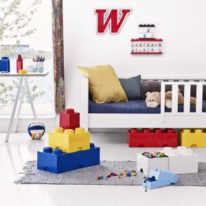 Pojemniki w kształcie klocków Lego, które można składać jeden na drugim, nie zajmują dużo miejsca, a są bardzo pojemne. Fot. Bonami.pl