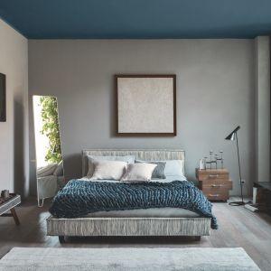 Lustro do sypialni LC 198 marki Gervasoni zaprojektowała Paola Navone. Fot. Mood-Design