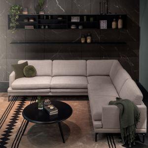Sofa Double to model wdzięczny w aranżacji, który dodatkowo możemy w pełni spersonalizować. Fot. MTI Furninova