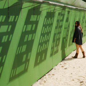Instalacja Shadow. Proj. Izabela Bołoz