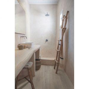 Łazienka stała się czymś na kształt minispa, do którego uciekamy od zgiełku codziennego życia. Fot. Quick-Step
