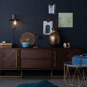 W meblach z kolekcji Class uwagę przyciąga dopracowana forma, dbałość o detale i efektowne zdobienia. Fot. Dutchbone / BM Housing