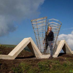 """Dorota Koziara stworzyła instalacja rzeźbiarską na wysokości 2300 m n.p.m. zatytułowaną """"Harmonia"""" we włoskich DolomitachParc_Dolomiti_Italy_2016.jpg"""