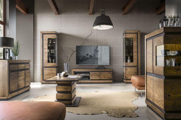 Ta kolekcji mebli olejowanych do salonu i jadalni zaskakuje innowacyjnym połączeniem drewnianych lameli z czarną płytą MDF.