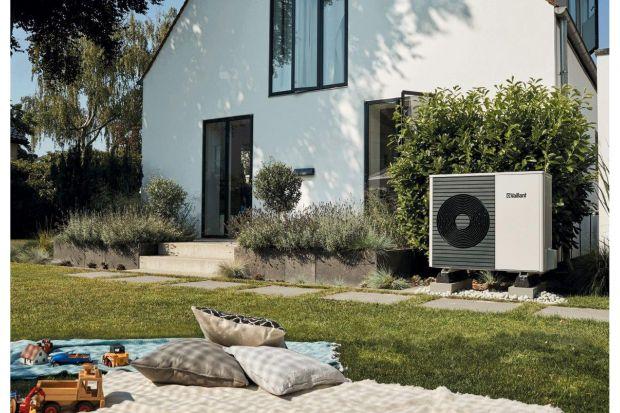 Pompa ciepła jest urządzeniem zdolnym do transportu energii z bezpośredniego otoczenia budynku i wykorzystania jej do celów ogrzewania oraz przygotowania ciepłej wody użytkowej. Tym, co wyróżnia pompy ciepła na tle innych urządzeń, jest fakt, �