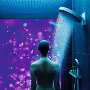 RAIN TUNES – cyfrowy system prysznicowy oparty o koncepcję łazienki jako zdigitalizowanej domowej przestrzeni relaksu; umożliwia wybór różnorodnych scenariuszy prysznica stworzonych we współpracy ze specjalistami z różnych dziedzin (neurologia, fizjoterapia, design), integrujących temp. wody, muzykę, światło. Dostępny w ofercie firmy Hansgrohe. Fot. Hansgrohe