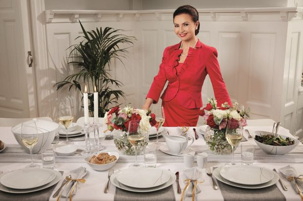 Karnawał to wyjątkowy czas przyjęć i balów. To także dokonała okazja by zaprosić bliskich <br />i przyjaciół na niepowtarzalne przyjęcie lub uroczystą kolację, którą uświetni wyjątkowa oprawa stołu.