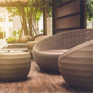 Rattan, wiklina, i słoma wiedeńska to naturalne materiały, po które będą sięgać projektanci wnętrz w 2020 roku
