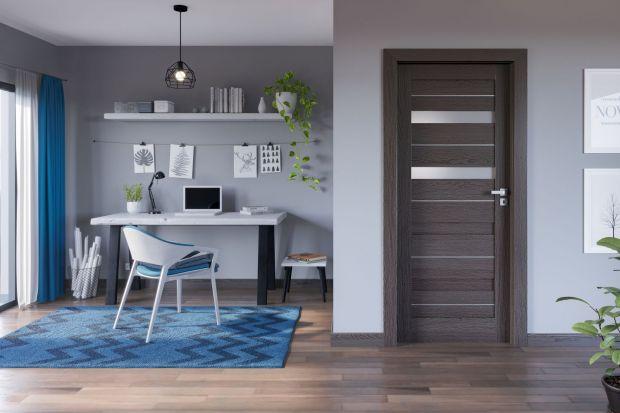 Domowe biuro wcale nie musi być duże. Często wystarczyprzyjazny kącik, wyposażony w to, co jest nam niezbędne tak, by podczas pracy czuć się wygodnie. Nasze własne, komfortowe miejsce pracy.