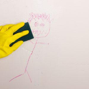 Plamy i zacieki na ścianach – jak się ich pozbyć? Fot. Magnat
