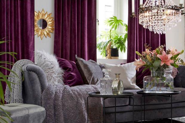 Miękkie, przyjemne w dotyku tkaniny, dyskretny blask i wyszukana elegancja tak w prosty sposób można zdefiniować styl glamour.