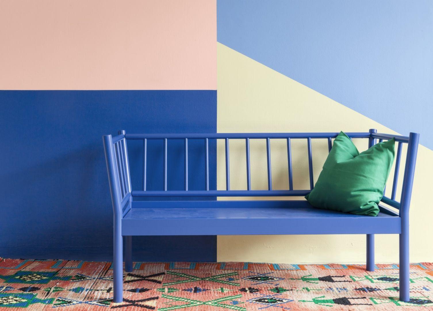 Niebieski to kolor wysoce uniwersalny i neutralny, dzięki czemu świetnie czuje się też w towarzystwie innych tonacji. Fot. Tikkurila