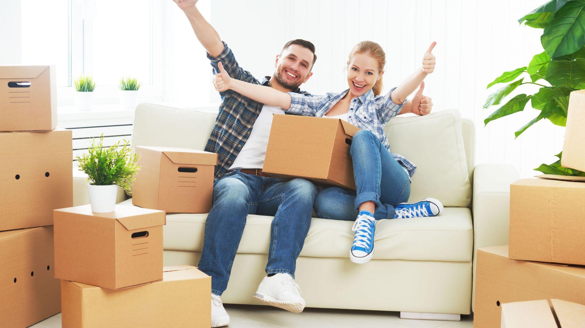 Zaopatrz się w kartony do pakowania – bezpiecznie przetransportujesz rzeczy. Fot. Vileda