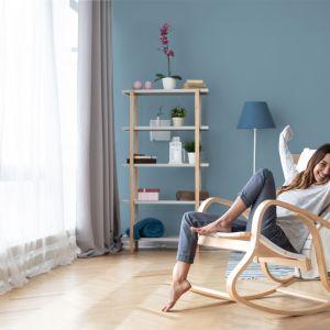 Blue Clouds z palety ceramicznej farby do wnętrz Home & Style. Fot. Dekoral