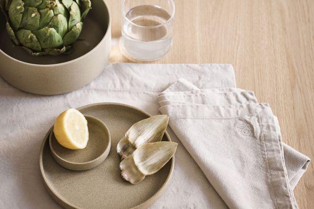 Akcesoria do łazienki i kuchni inspirowane szwedzkimi korzeniami marki łączą skandynawski design z funkcjonalnością.