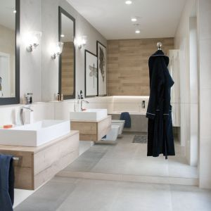 Ściany w łazience: propozycja numer 9. Projekt: Ewelina Mikulska-Ignaczak. Fot. Jakub Ignaczak, K1M1