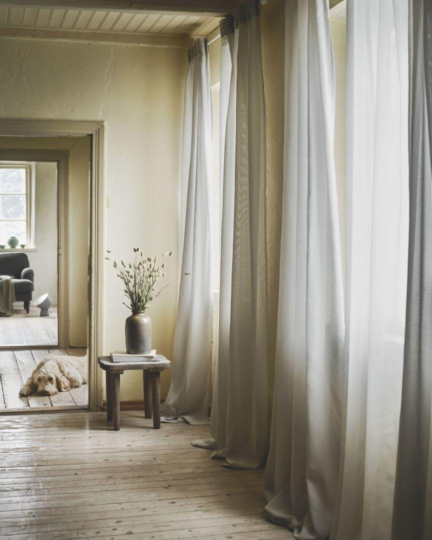 Zasłona oczyszczająca powietrze Gunrid. Fot. IKEA