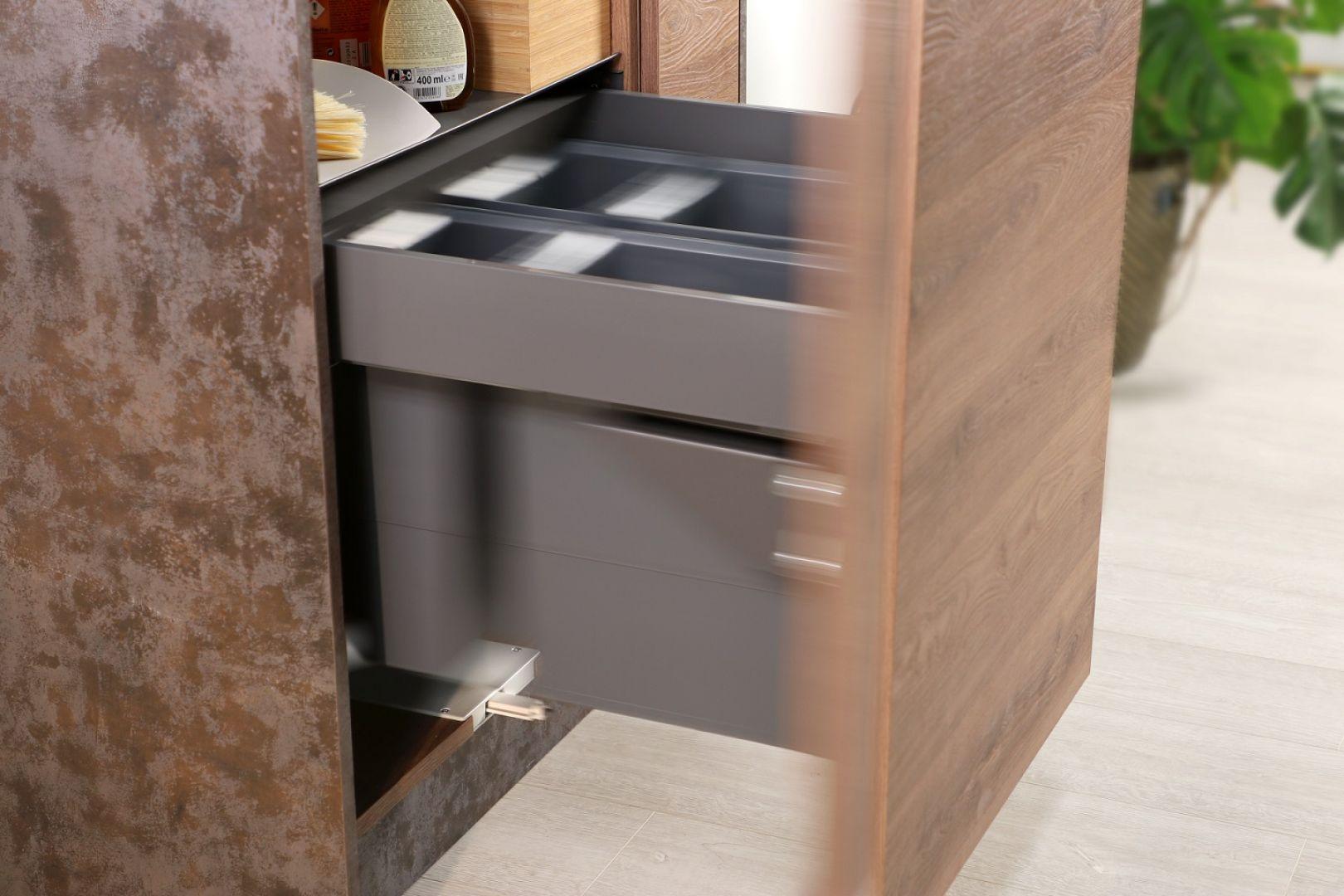 Nowe pomysły na segregację odpadów. Slim Box z systemem Hailo. Fot. Rejs
