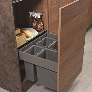 Nowe pomysły na segregację odpadów. Slim Box z pojemnikami na odpady i systemem Hailo. Fot. Resj