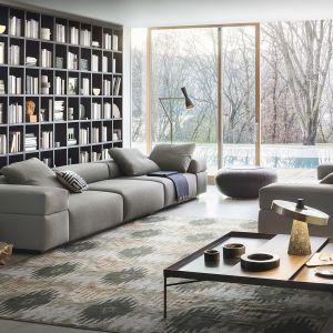 Modna kanapa w salonie. Sofa modułowaBrick Lane. Fot. Lema / Mood-design