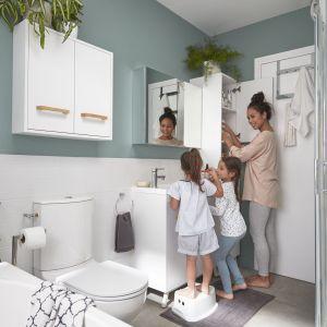 Praktyczny zestaw mebli łazienkowych GoodHome Ladoga sprawdzi się w łazienkach nowoczesnych. Fot. Castorama