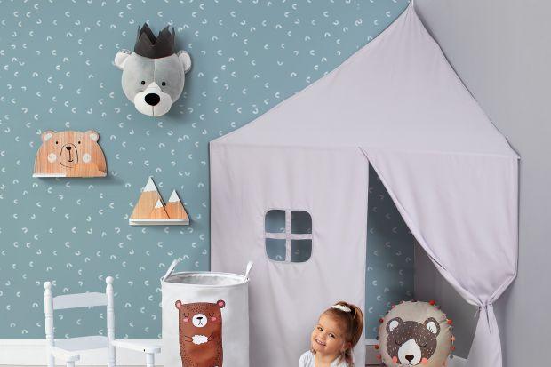 Wyjątkowe akcesoria i elementy dekoracyjne z bajkowym motywem pozwolą stworzyć stylowe pomieszczenie, w którym maluch z przyjemnością będzie spędzał czas o każdej porze dnia.