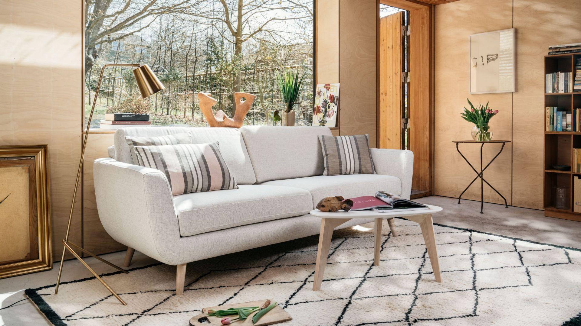 Meble w stylu skandynawskim. Sofa Smile 3-osobowa. Fot. MTI-Furninova