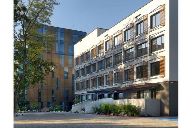 Przedstawiamy historię budynku,którego początki sięgają lat 60. XX wieku. Niedawno przeszedł on metamorfozę. Zobaczcie efekt.