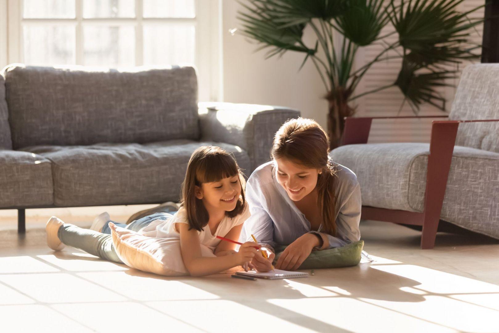 Pompa ciepła najefektywniej współpracuje z ogrzewaniem podłogowym. Fot. Shutterstock