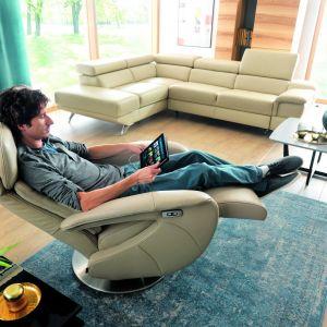 Fotele z funkcją relaksu:model Frida ze sterowaniem manualnym, jak i elektrycznym. Fot. Gala Collezione
