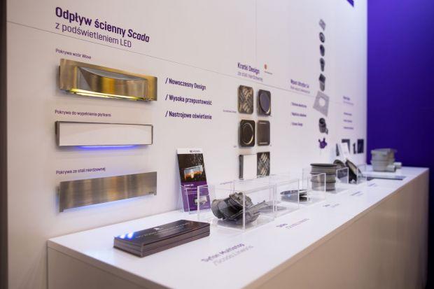 Odwodnienie liniowe to praktyczne i estetyczne rozwiązanie, które na dobre wpisało się w standardy wyposażenia nowoczesnych łazienek. Najnowsze propozycje eleganckich i niemalże niewidocznych odpływów prezentowała w trakcie 4 Design Days 2020f