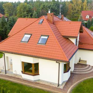 Pokrycia dachowe. Dachówka płaska cementowa Kapstad Planar czerwona. Fot. Creaton