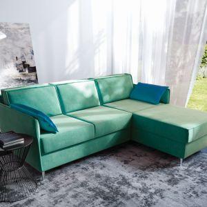 Projektanci, mimo że nadal lubują się w nowoczesnym minimalizmie, coraz chętniej sięgają po meble w odważnych, wyrazistych kolorach. Fot. MP Nidzica