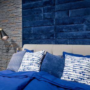 Pomysły na ściany. Kamień dekoracyjny Sierra 3 i panel tapicerowany Mollis. Fot. Stegu