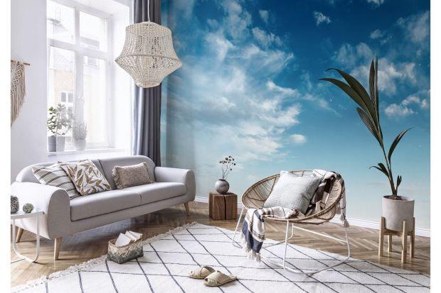 Chmury od strony dekoracyjnej są bardzo ciekawym motywem. Wyróżniają się bowiem charakterystyczną, atrakcyjną estetyką, ale i nasuwają wiele pozytywnych skojarzeń. Dlatego też doskonale wyglądają na różnych ściennych ozdobach - takich jak