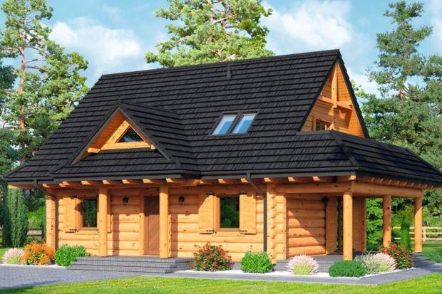 Modrzewo DW to projekt małego domu z bali drewnianych z poddaszem użytkowym.