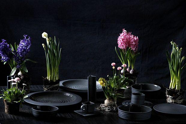 Designerska porcelana - w awangardowej czerni