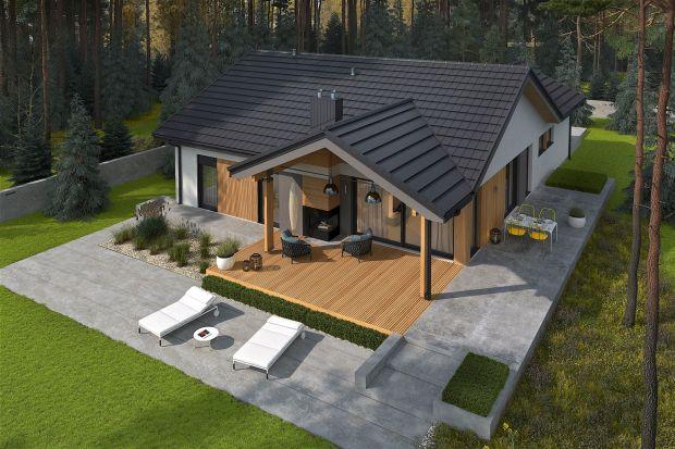 Simon IV G2 to nowoczesny dom parterowy, w którym znakomicie odnajdą się miłośnicy jasnych wnętrz w harmonii z ogrodem. Zobaczcie jak pięknie można urządzić 112 m2. Taras w tym projekcie to prawdziwa perełka!