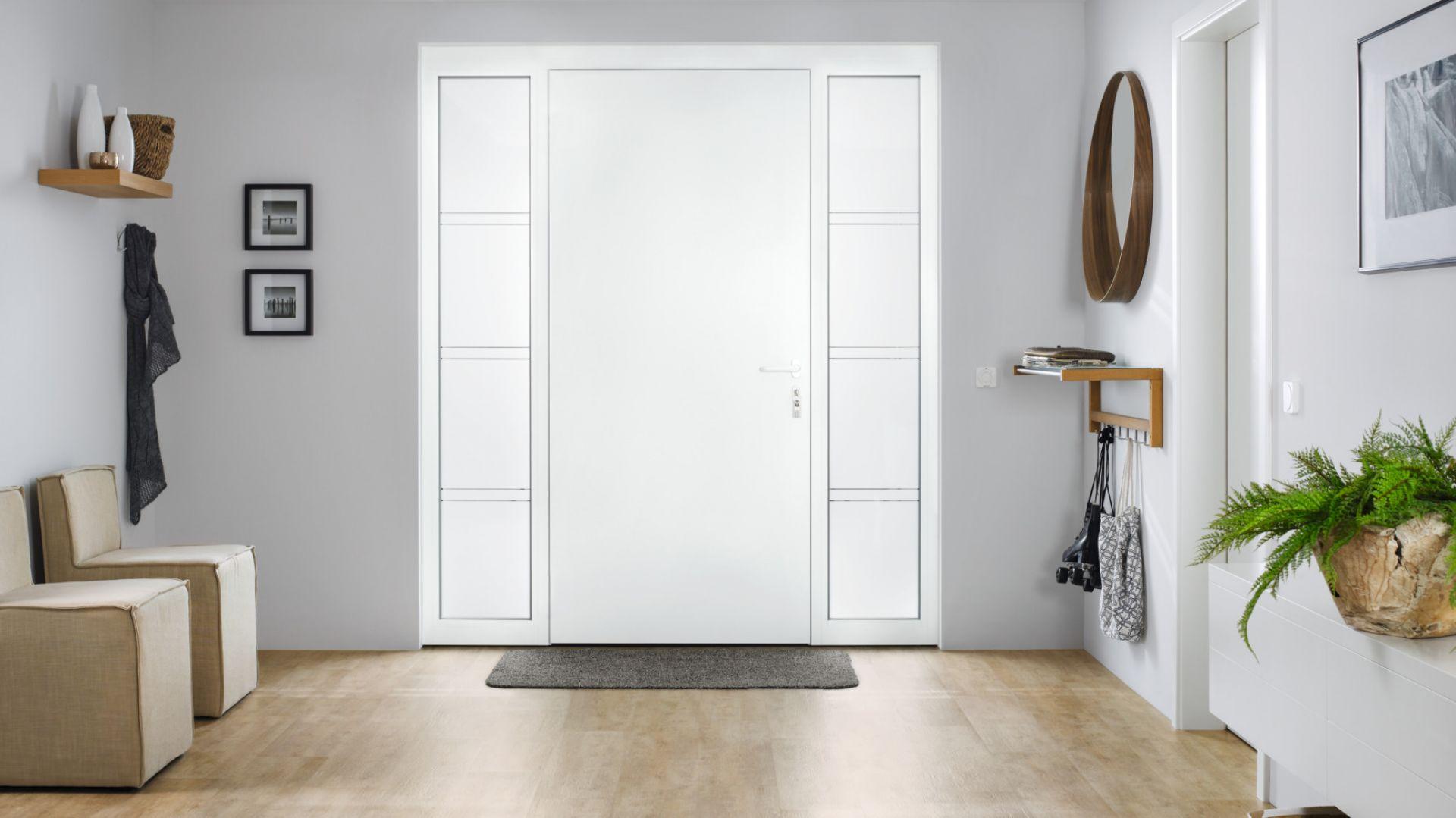 Drzwi ThermoSafe Hybrid mają od wewnątrz płaską i równą powierzchnię. To nadaje im elegancki charakter. Fot. Hörmann