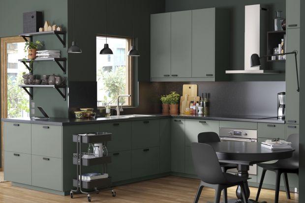 Urządzanie kuchni to coś znacznie więcej niż jedynie wybór frontów szafek kuchennych. To przemyślana strategia, której celem jest stworzenie funkcjonalnej przestrzeni do wielu zadań. Gotowanie, pieczenie czy zmywanie powinno być szybkie i intuic