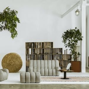 Meble do salonu - nowa kolekcja Nobonobo: sofa Wadi,fotel Wadi, pufa Wadi, stolik Oo. Fot. Nobonobo